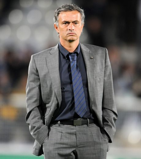 un-schema-tactique-volontairement-defensif-mis-en-place-par-mourinho_24240_w460.jpg